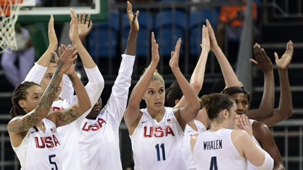 U.S. women's basketball rout Senegal, Serena moves on and Wu Minxia wins gold --IMAGE