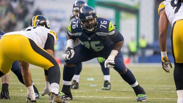 Former Seahawks LT Russell Okung signs with Broncos -- IMAGE