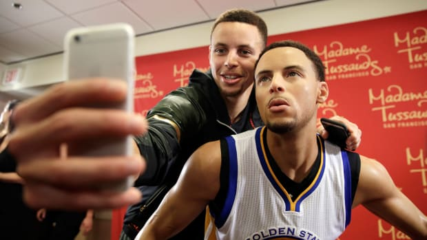 stephen-curry-warriors-madame-tussauds.jpg