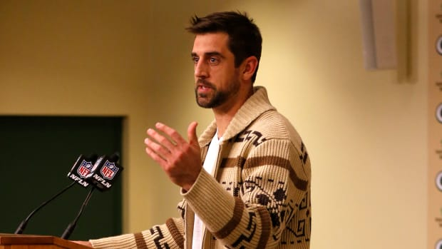 aaron-rodgers-the-dude-sweater.jpg