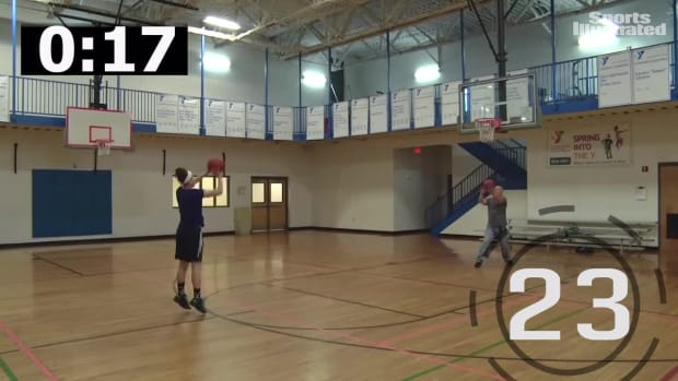 Leah Church hits world-record 32 3-pointers in one minute - IMAGE