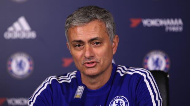 jose-mourinho-move-manchester-united-delayed.jpg
