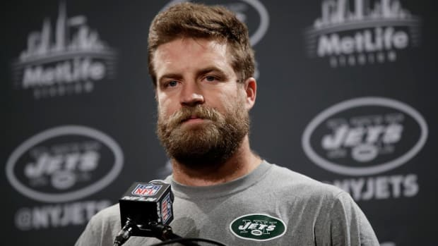 Jets QB says owner, GM, coaches don't believe in him--IMAGE