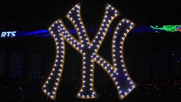 Top 5 most valuable MLB teams all worth at least $2.2 billion--IMAGE