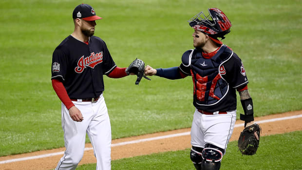 kluber-perez-world-series-game-1-recap.jpg
