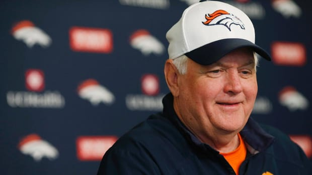 Broncos' players and coaches confident in defensive schemes IMAGE
