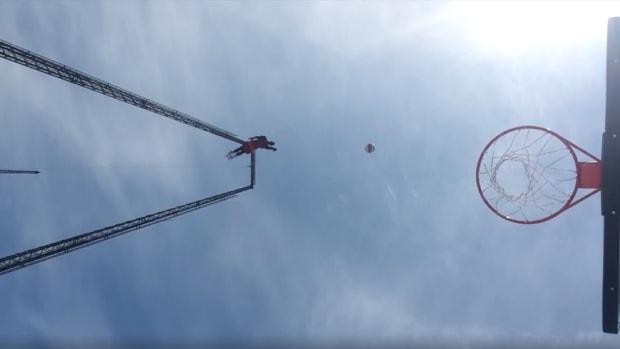 harlem-globetrotters-wildwood-skycoaster-trick-shot-video.png