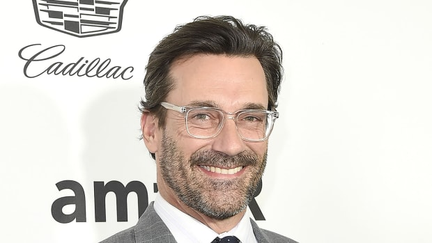 jon-hamm-cardinals-hat-cubs-world-series.jpg