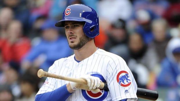 Cubs' Kris Bryant has mild ankle sprain--IMAGE
