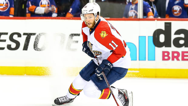 jonathan-huberdeau-panthers-contract-extension.jpg
