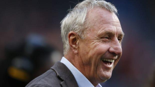 johan-cruyff-dies-twitter-tributes.jpg