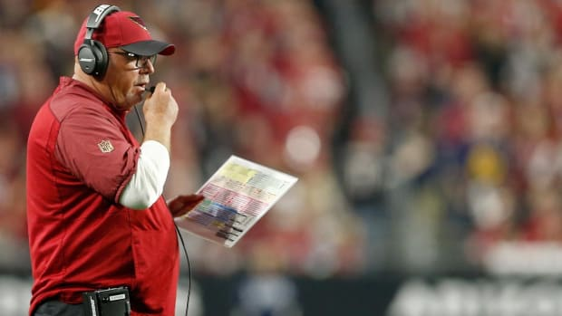 Steelers head coach Mike Tomlin made decision to fire Bruce Arians - IMAGE