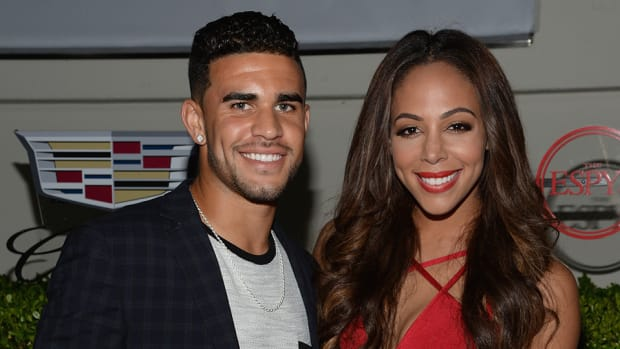 sydney-leroux-dom-dwyer-makeup-bet-england-iceland-video.jpg