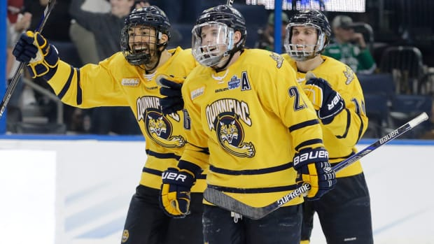 frozen-four-quinnipiac-defeats-boston-college-advances-championship.jpg