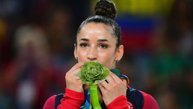olympics-aly-raisman-michelle-obama.jpg