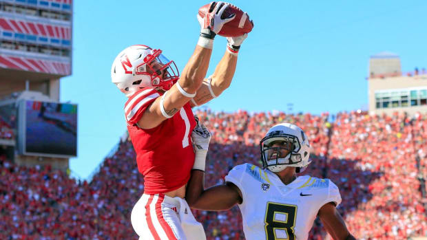 No. 22 Ducks miss four 2-point conversions, lose by three to Nebraska - IMAGE