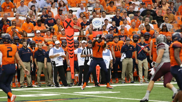Keep Up! How the Syracuse chain gang remains apace with one of college football's fastest offenses