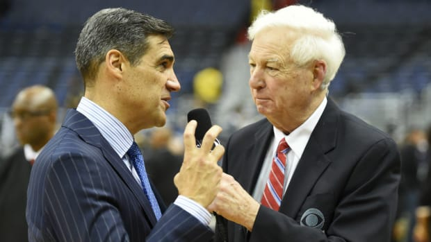 bill-raftery-national-title-game.jpg