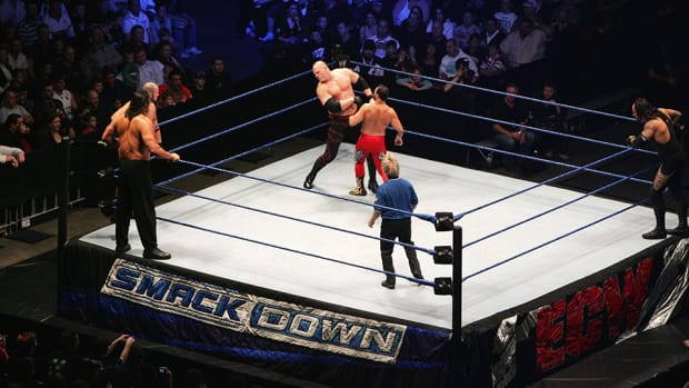 wwe-smackdown-tuesday-live-different-rosters.jpg