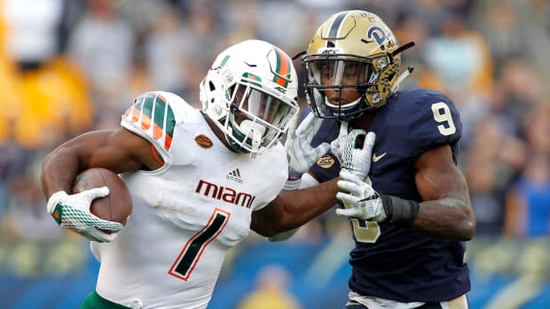 mark-walton-reinstated-miami-hurricanes.jpg