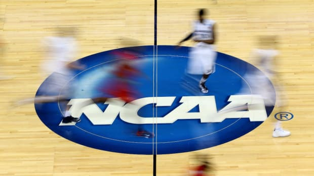NCAA alters court design for 2016 tournament--IMAGE