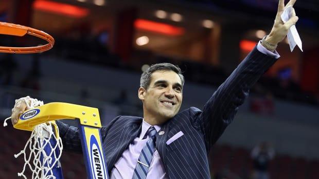 Villanova's Jay Wright named Naismith Coach of the Year -- IMAGE
