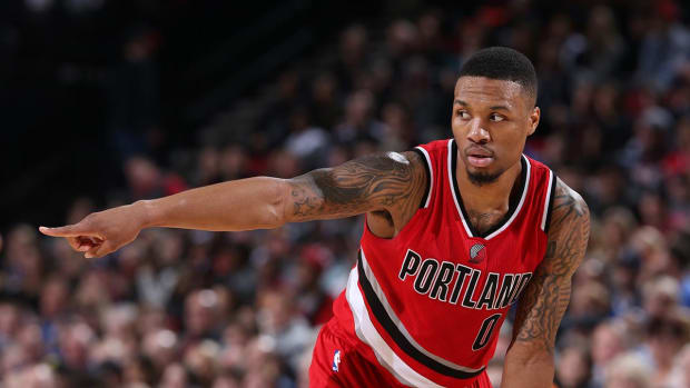 Damian Lillard says he plans to spend entire career with Trail Blazers--IMAGE