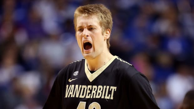vanderbilt-josh-henderson-makes-buzzer-beater-vs-florida-video.jpg