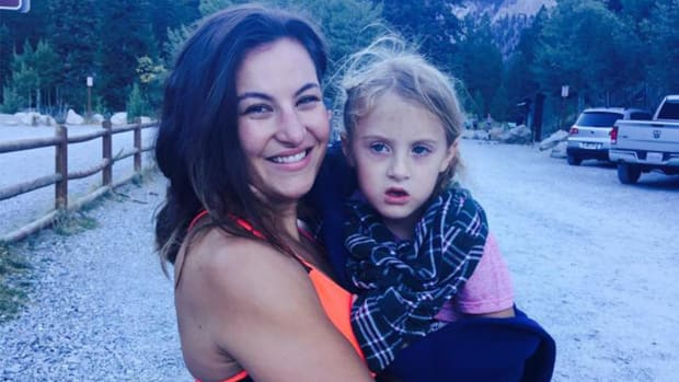 MMA fighter Miesha Tate carries injured six-year-old down mountain - IMAGE