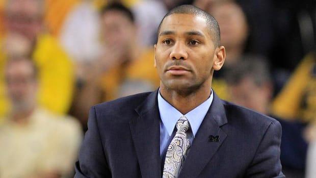 Milwaukee hires Michigan assistant coach LaVall Jordan - IMAGE