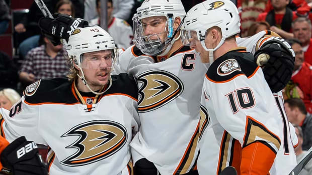 Anaheim-Ducks-Bill-Smith.jpg