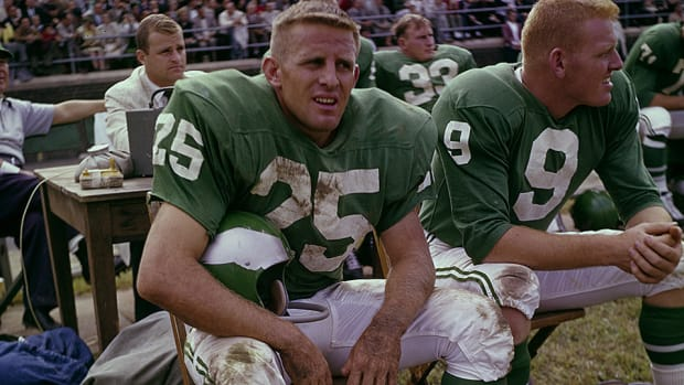 tommy-mcdonald-play-eagles-hall-of-fame-ray-didinger.jpg