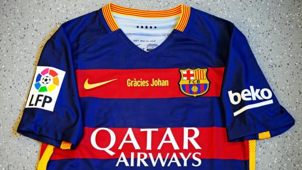 johan-cruyff-barca-uniforms.jpg
