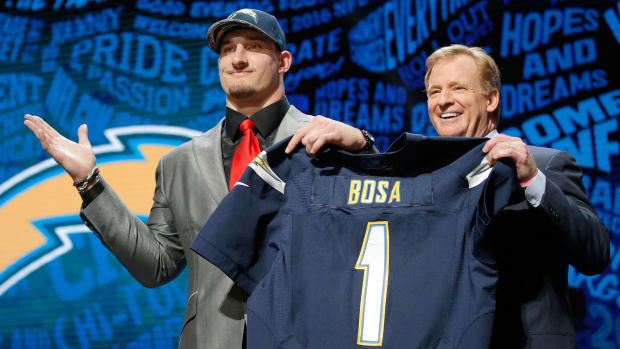 joey-bosa-chargers-no-contract.jpg