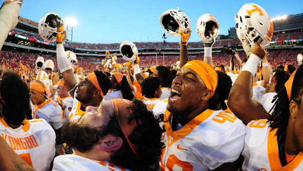 Last-second Hail Mary lifts Tennessee to victory over Georgia -- IMAGE