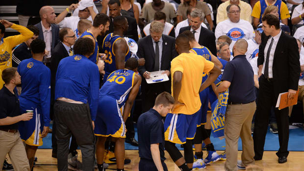 steve-kerr-warriors-huddle-1300.jpg