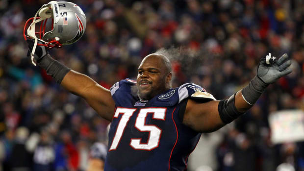 houston texans sign vince wilfork patriots