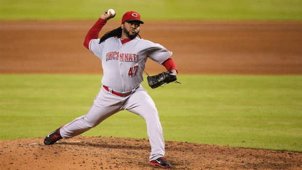Reds trade Johnny Cueto to Royals IMAGE