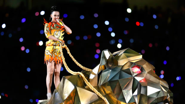 Katy Perry robotic lion super bowl 2015 halftime show