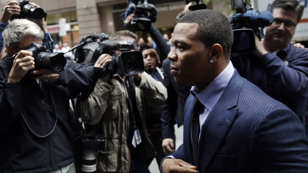 Report: Ray Rice has support from NFL in return attempt--image