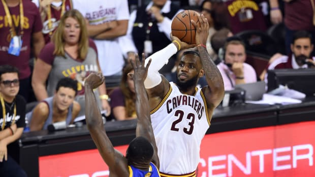 lebron-james-opts-out-contract-cleveland-cavaliers.jpg
