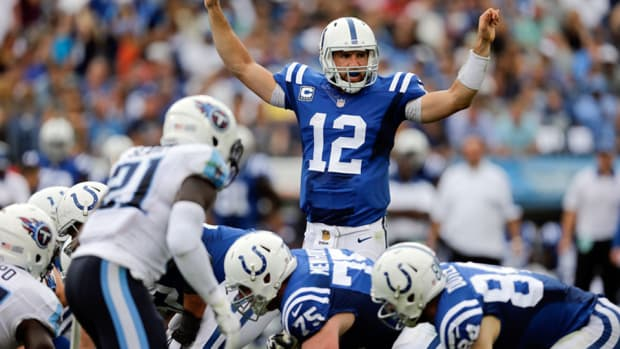 andrew-luck-expects-to-play-shoulder-injury.jpg