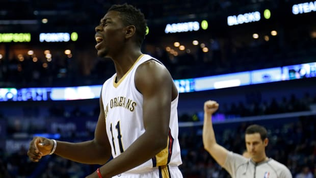Pelicans guard Jrue Holiday out 2-4 weeks with stress reaction IMAGE