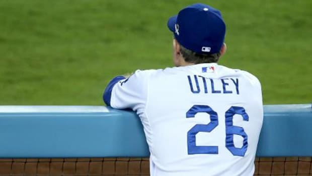 Chase Utley signs one-year deal with Los Angeles Dodgers--IMAGE