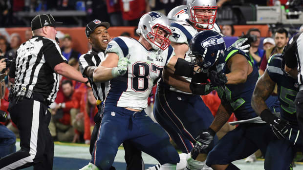 NFL rejects Gronk's plea, issues fines for Super Bowl fight