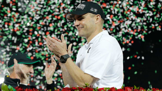 Report: Oregon, Mark Helfrich agree to multi-year extension IMAGE