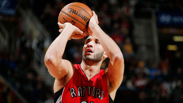 Raptors trade Greivis Vasquez to Bucks IMAGE