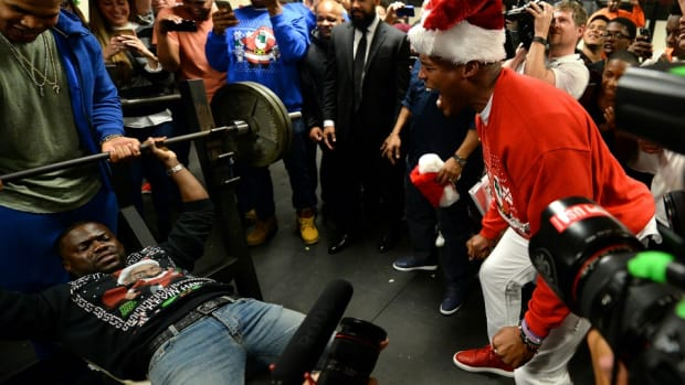 carolina-panthers-cam-newton-kevin-hart-bench-press.jpg