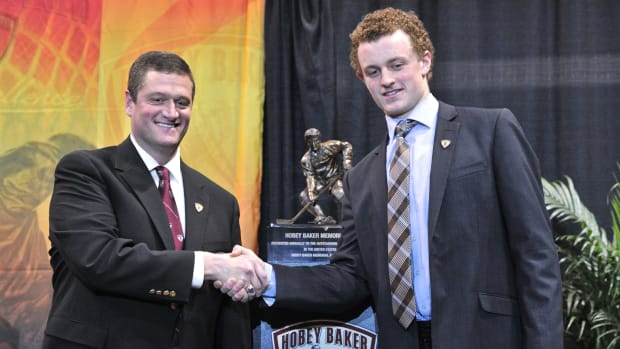 jack-eichel-boston-u-hobey-baker-award-icon.jpg