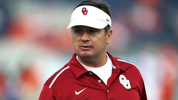 oklahoma-head-coach-bob-stoops.jpg